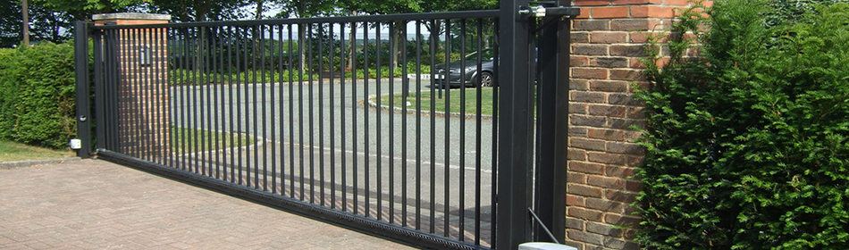 We supply and install automatic gates from FAAC, the leading brand in the automation market